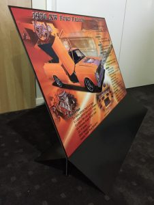aluminium show board in steel stand for car show display